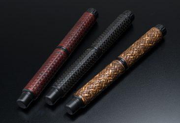卓越した職人技が生み出す万年筆ブランド「出雲」から 伝統工芸「竹編み万年筆」3種を新発売。